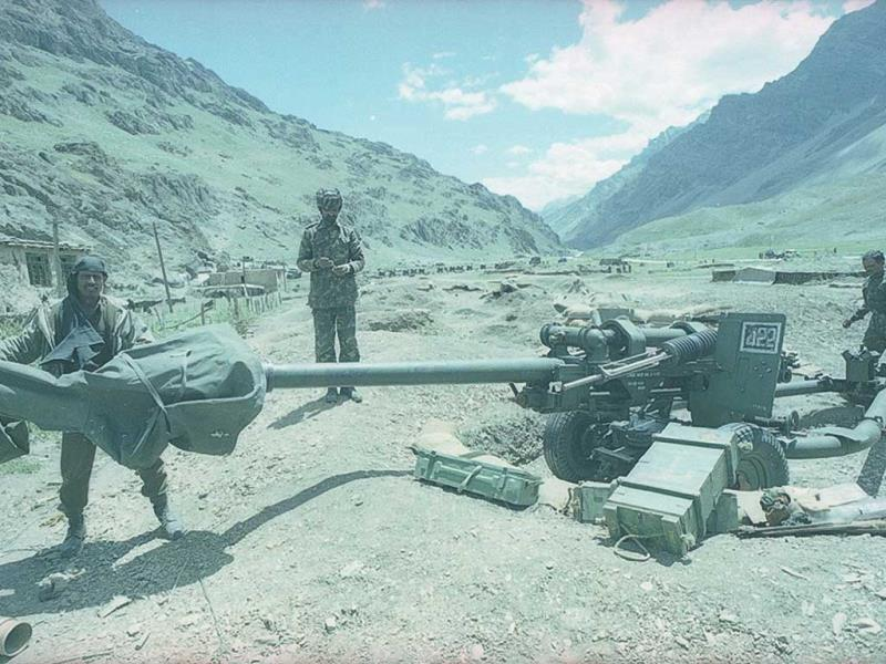 Kargil war in bone chilling pictures. Respecting the valor and Sacrifice of our men